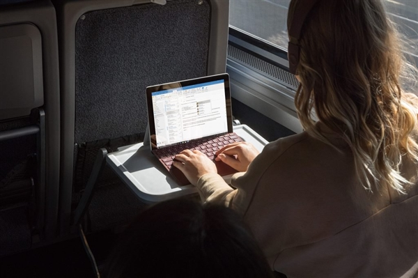 Surface Pro 4G版终于发布:只有顶配
