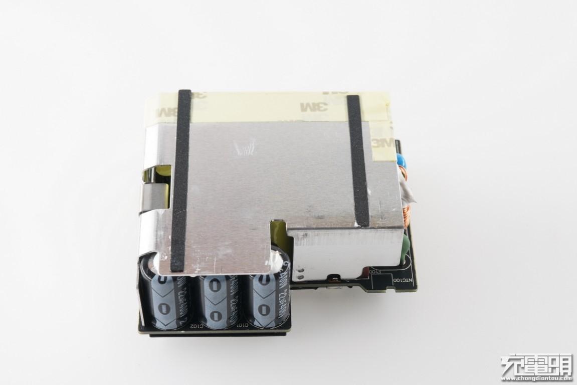 ZMI紫米65W USB PD三口快充充电器HA832拆解报告