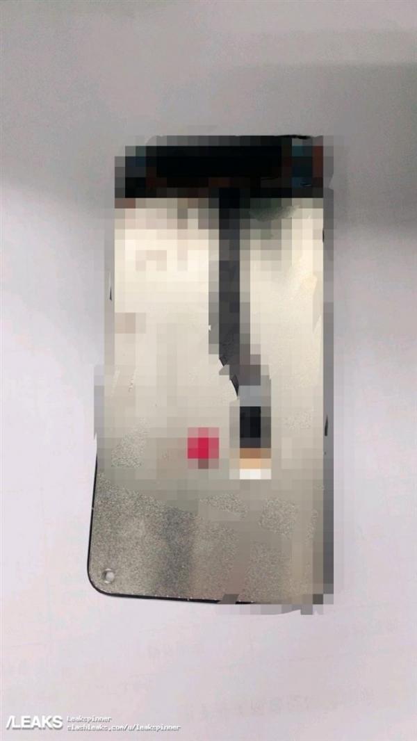 """三星首款""""打孔屏""""手机来了:对比刘海屏、水滴屏感受下"""