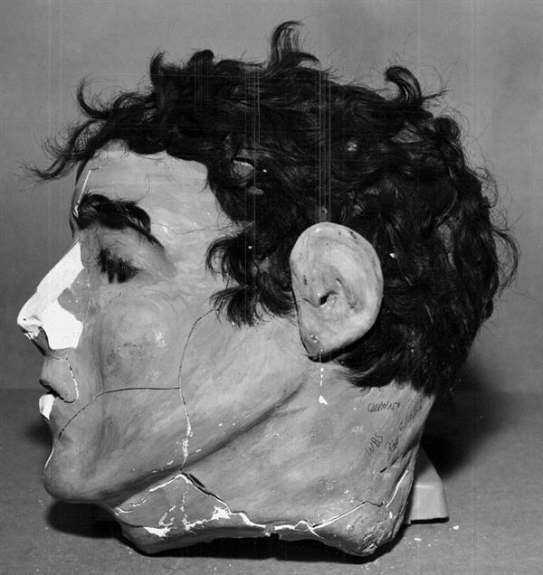 美国FBI 3D打印1962年恶魔岛逃犯诱饵头的复制品