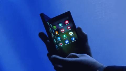 智能折叠手机,究竟何时能飞入寻常百姓家?