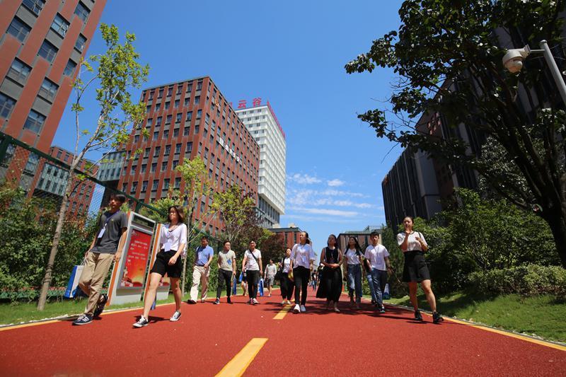 """城市间的""""科技之争"""",新一线城市如何掌握主动权?"""