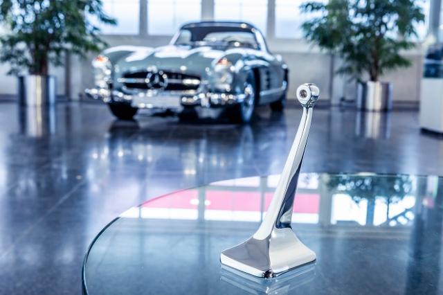 戴姆勒为多款梅赛德斯-奔驰车型及经典车提供3D打印备件