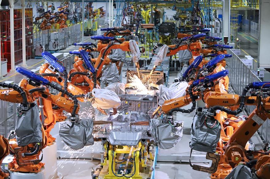 海马小鹏智能工厂首次揭开神秘面纱,可混流生产