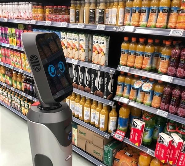 猎豹移动研发 机器人导购豹小秘上岗北京超市