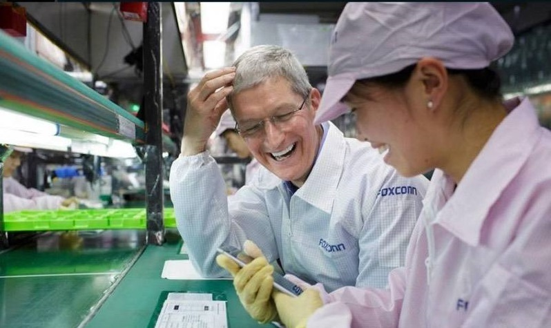 """咬不动的""""苹果"""" 被牵连的""""富士康们"""""""