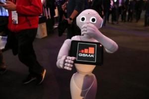 """最新机器人报告:解读人类和机器人的""""亲密关系"""""""