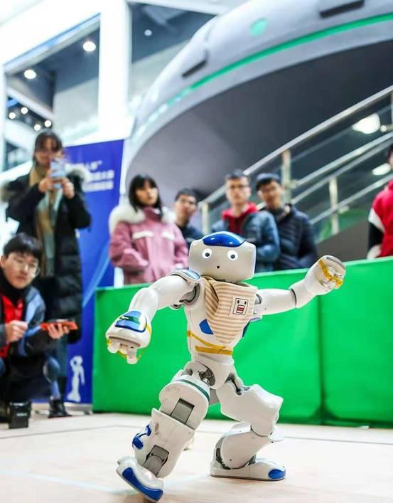 2018软银机器人杯 全国近三百支队伍学生踊跃参加的年度机器人盛会