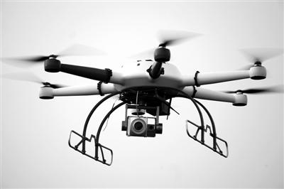 无人机配激光炮 高压线外飘物一击即中