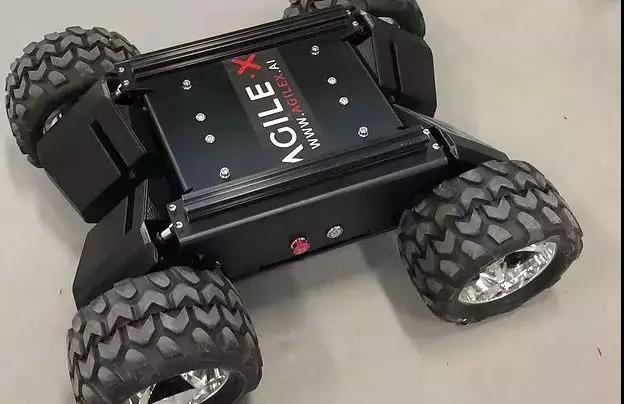 松灵机器人发布全能型AGV