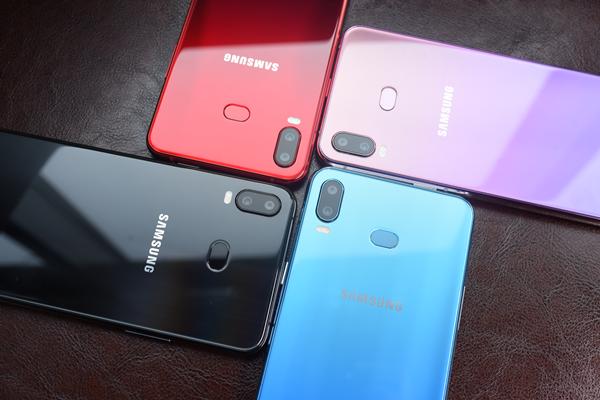 手机厂商大打色彩战,三星Galaxy A6s胜算几何?