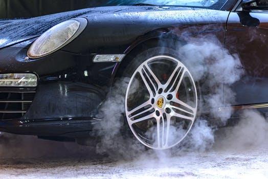 汽车投资管理规定放权后,车市寒冬能否迎来春天?
