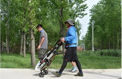 翔农创新植保无人机,年轻人回乡创业好帮手