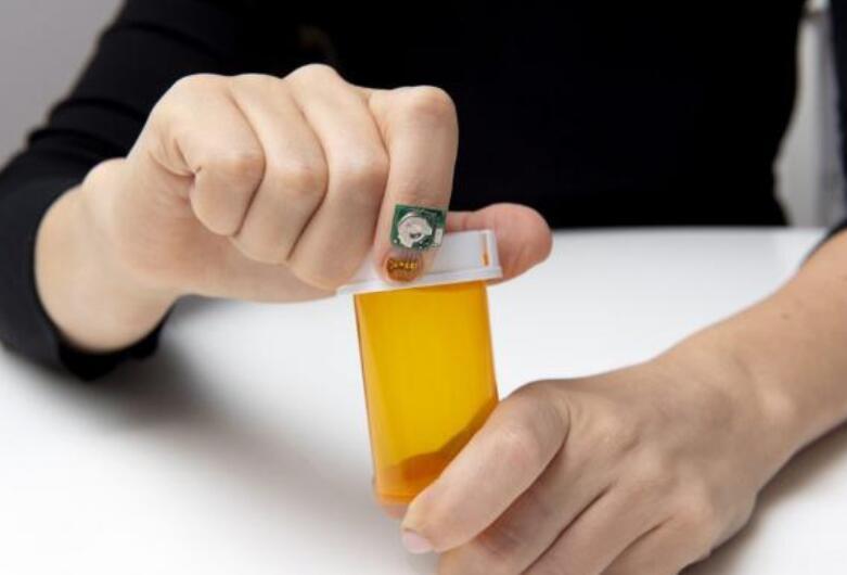 IBM发明指甲传感器跟踪健康状况,关键是要配合智能手表使用