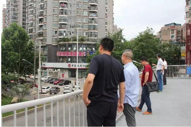 """信控中国""""走进武汉""""夫妻自拍 国产av-玩意儿"""