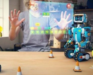 零一科技节在深圳举办 寒武纪发布新款机器人