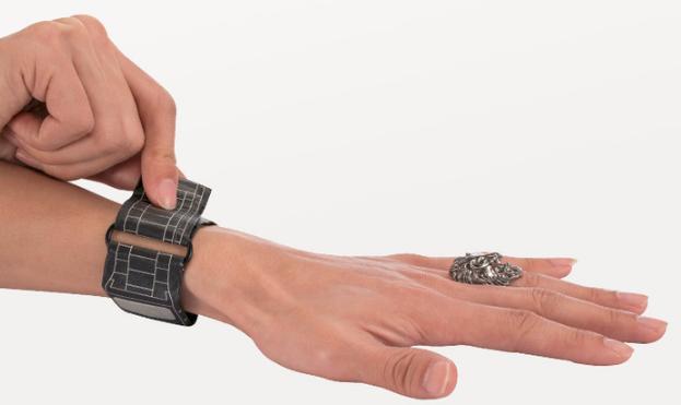 集防水、炫酷、黑科技为一体的纸手表,堪称手表届一股清流