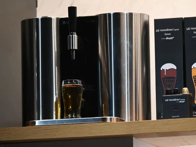 LG发布HomeBrew智能胶囊啤酒机,你可以在家酿造啤酒了