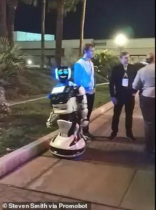 """特斯拉""""撞死""""机器人,噱头or事故?"""