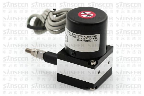 位移传感器在自动调焦单元有什么应用?