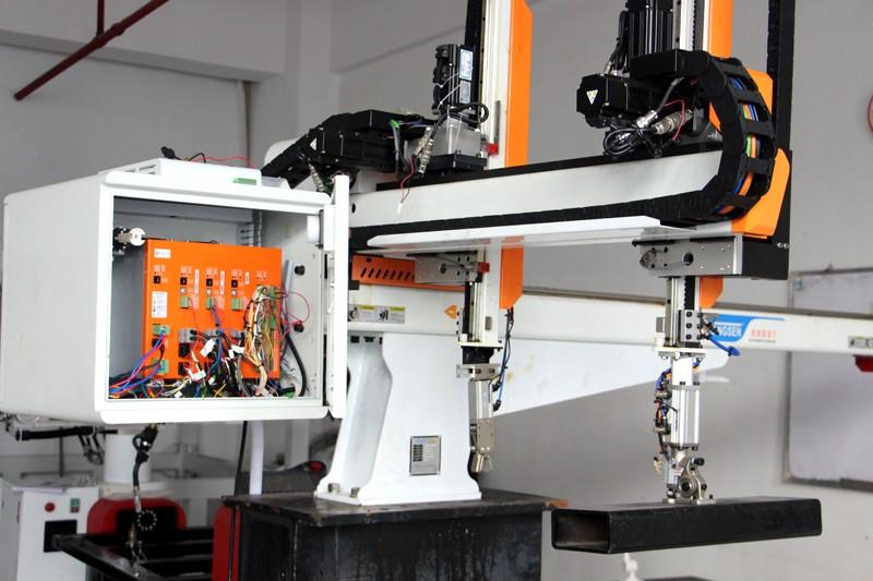 本土机器人崛起,华成工控破解控制系统核心技术
