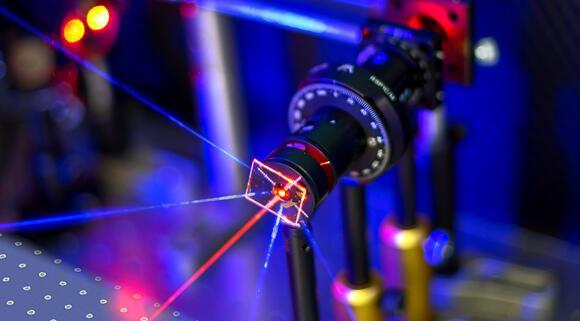 超灵敏金纳米颗粒阵列传感器诞生 可用于空气污染监控或医疗诊断