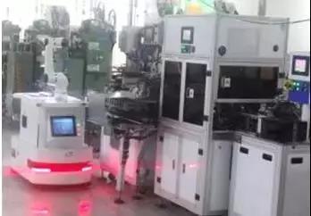 """3C电子工业机器人:本体和集成商融合组成""""本体集成商"""""""