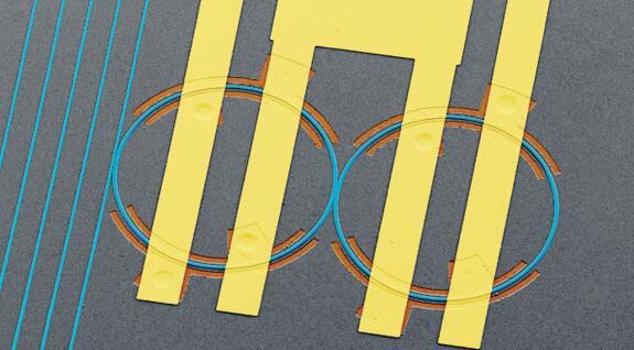 哈佛大学在片上可编程电光系统中实现光的动态控制