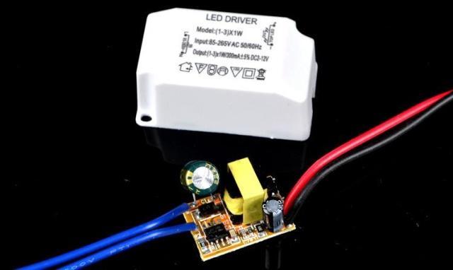 220v交流电led灯电路图
