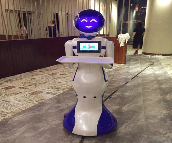 机器人服务员正在失宠?未来该怎么发展?