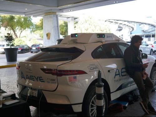 AEye激光雷达损毁CES参会者相机 自动驾驶汽车激光雷达安全惹争议