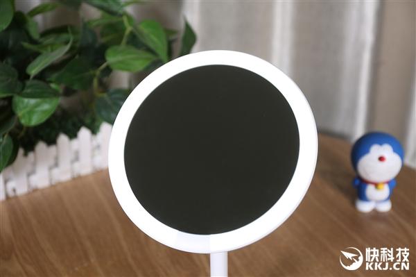 比传统LED镜子亮3倍 小米优选AMIRO日光镜图赏