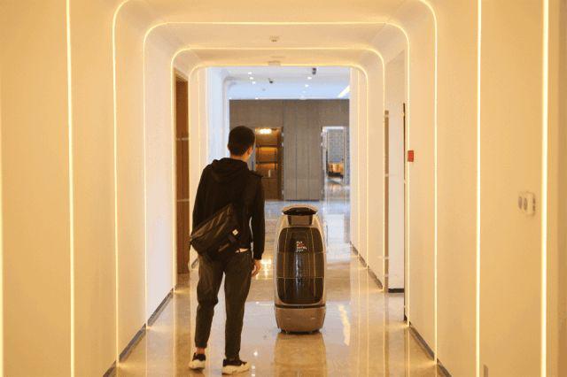 服务机器人或将成为未来酒店的主流