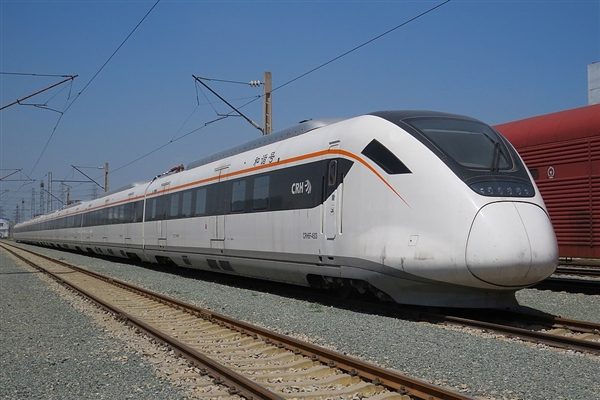 通车仅1天 印度高铁突然发生故障