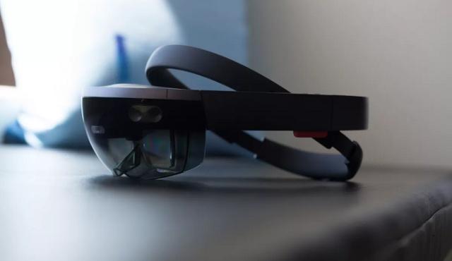 微软发布HoloLens 2混合现实设备,售价3500美元,可以按需定制