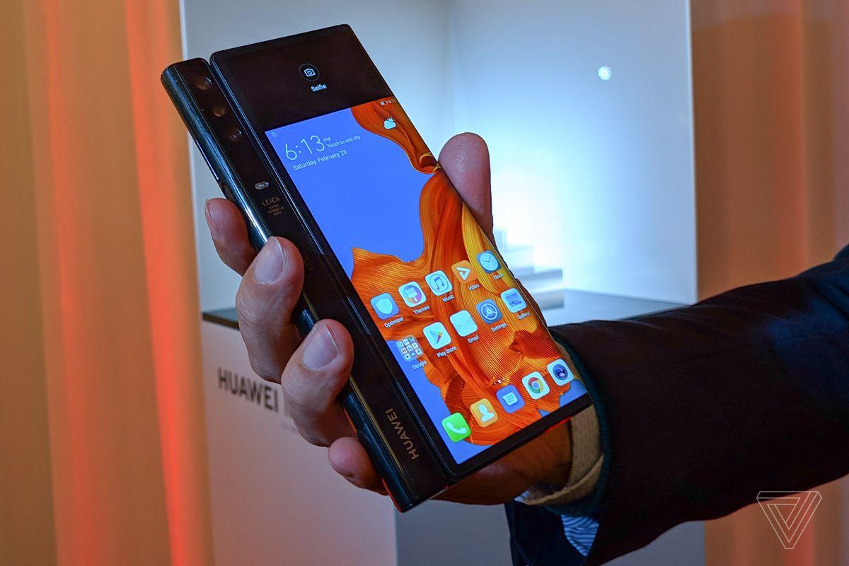 华为Mate X上手体验:首款5G折叠屏手机,售价1