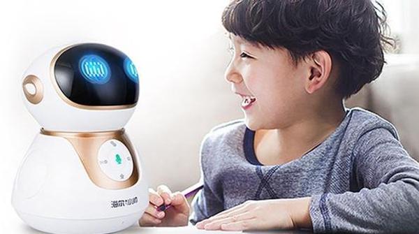 广告吹上天 教育机器人其实有坑