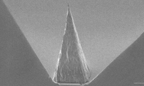 应用于未来纳米传感的金刚石针尖