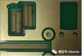 一种带插件孔设计的台阶盲槽加工工艺探讨