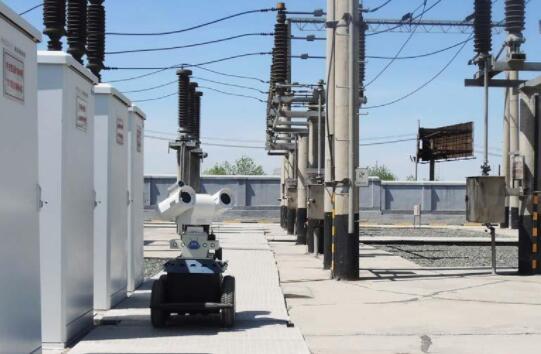 智能巡检机器人助力乌鲁木齐变电站排查故障