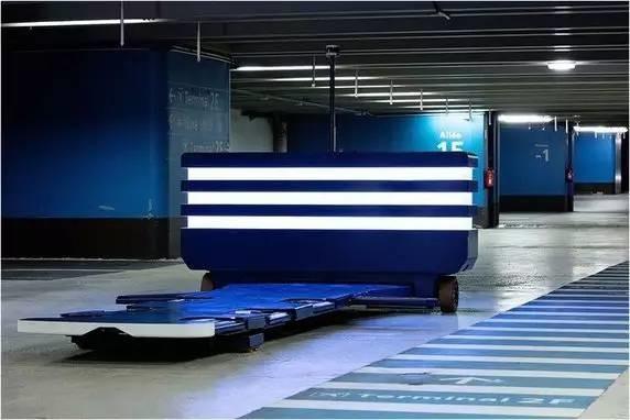 法国机场使用机器人代客泊车 节省时间节约空间