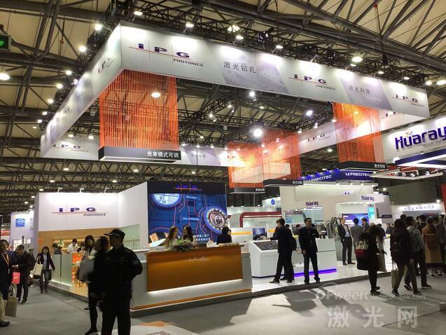 先睹为快:上海光博会盛大开幕 谁家技术最亮眼