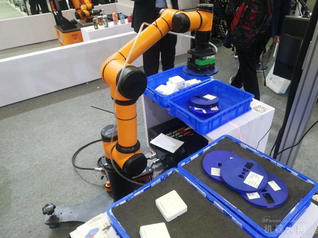 2019慕尼黑上海展现场:机器人助力电子制造业自动化升级