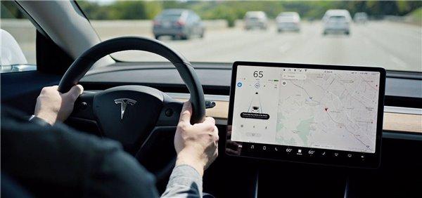特斯拉和Waymo,做自动驾驶有什么不同?
