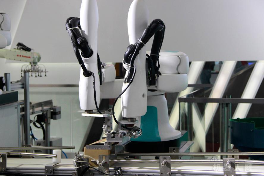 直击深圳机械展,机器人开启新制造模式