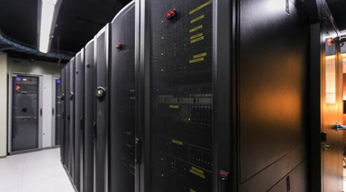 不断进阶 施耐德电气携手中智十年打造高能效数据中心
