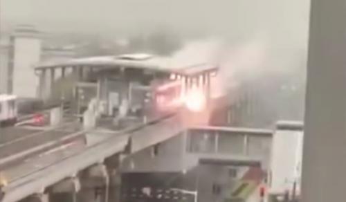 上海地铁站遭雷击是怎么回事?