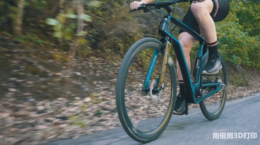AREVO 3D打印一体化碳纤维自行车架 几天内完成