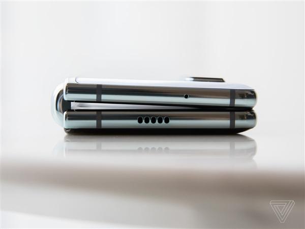 三星Galaxy Fold可折叠屏手机上手体验:折痕可见、大屏体验爽翻