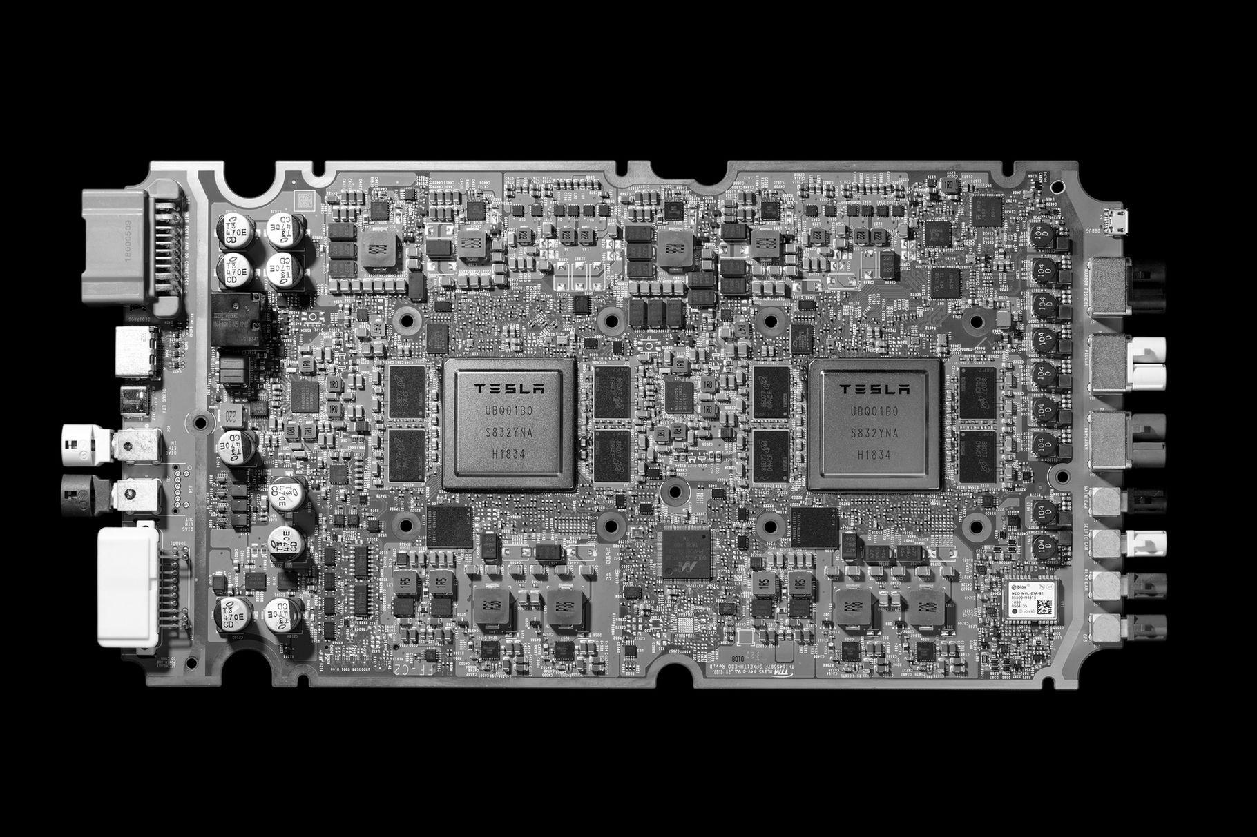 特斯拉公布全自动驾驶芯片